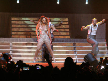 Jennifer Lopez à Bercy avec NRJ