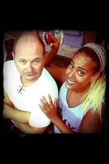 Amel avec Cauet pour la mise en radio officielle de son nouveau single Ma Chance sur NRJ