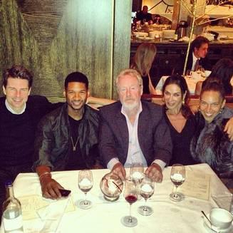 Usher dine avec Tom Cruise et Ridley Scott pour son anniversaire