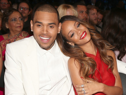 Rihanna : un featuring inédit avec Chris Brown!