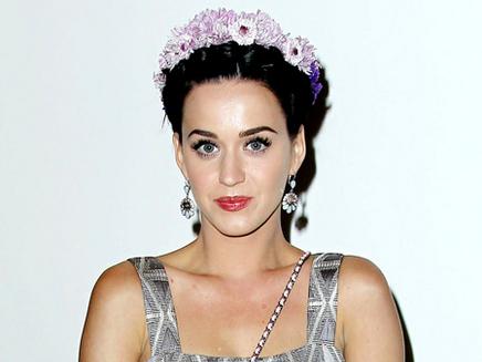 Katy Perry : son étoile sur Hollywood Boulevard !