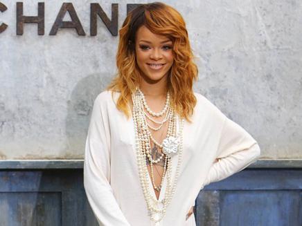 Rihanna : prête à se remettre avec Chris Brown ?