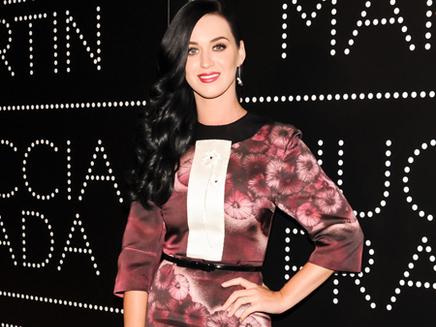 Katy Perry: «Je suis trop veille pour me dénuder comme Rihanna» !