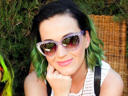 Katy Perry : très proche de Robert Pattinson !