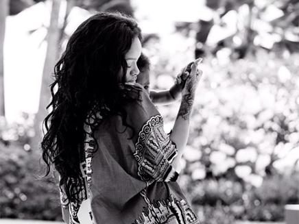 Rihanna : avec sa nièce, c'est toujours le grand amour!