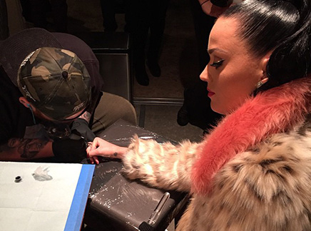 Katy Perry : elle a le Super Bowl dans la peau!