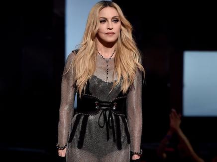 Madonna crée le buzz