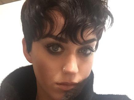 Katy Perry : une nouvelle coupe à la garçonne !