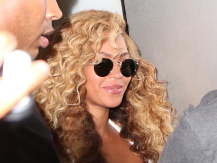 Beyoncé : super sexy en pin-up 50s !