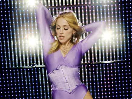 Revolver, premier single du best of de Madonna ?