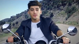 One Direction - Kiss You (Alternative Version)