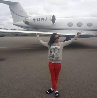 Rihanna quitte la France en jet