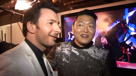 VIDEO : PSY remporte 2 NRJ Music Awards