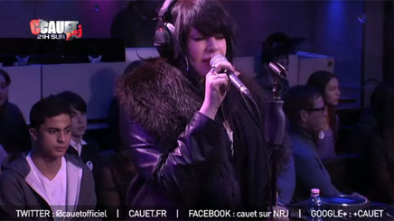 "Alex Hepburn ""Under"" live sur NRJ"
