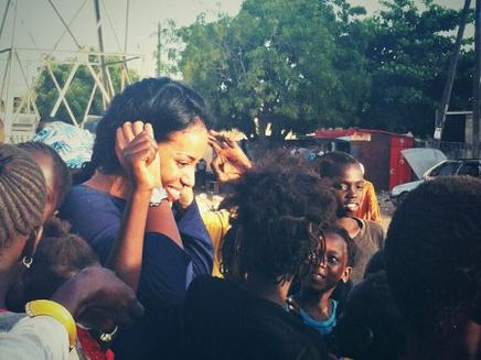 Amel Bent : en voyage à Dakar pour l'UNESCO