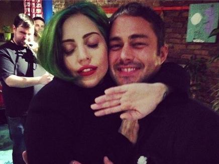 Lady Gaga : de repos avec son amoureux!
