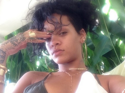 Rihanna : sexy et naturelle à la Barbade