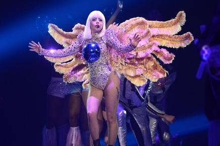 Lady Gaga : les premières images de sa tournée!