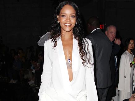 Rihanna : séance de studio nocturne à New York!