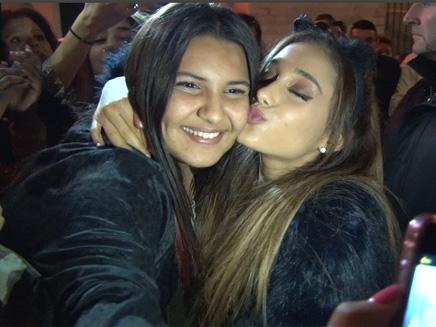 Ariana Grande : adorable avec ses fans chez NRJ!