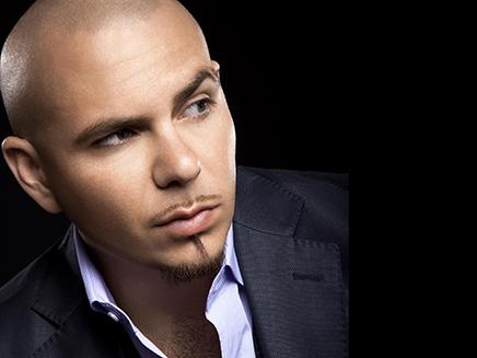 """Fergie et Pitbull : Découvrez un extrait de """"Feel Alive"""" !"""