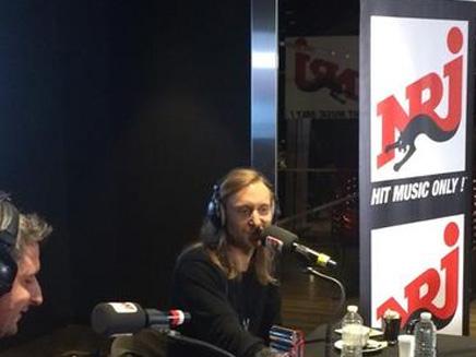 David Guetta fait voter en direct les auditeurs d'NRJ pour leur titre préféré!