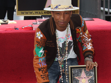 Pharrell Williams inaugure son étoile à Hollywood!