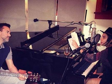 Lady Gaga : avec RedOne pour une nouvelle journée en studio!