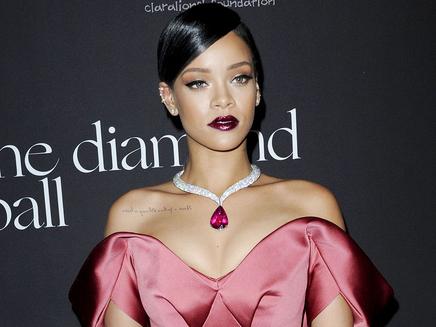 Rihanna : des chansons intemporelles pour «R8»?