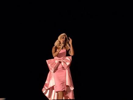 Lady Gaga voit la vie en rose!