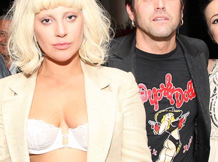 Lady Gaga : et sans le haut!