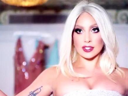 Lady Gaga : splendide pour Shiseido !