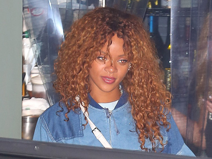 Rihanna : sortie discrète dans un restaurant à Santa Monica