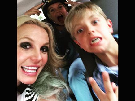 Britney Spears: radieuse pour l'anniversaire de ses fils!