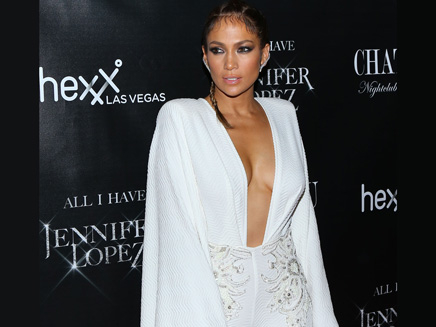Jennifer Lopez: décolleté vertigineux au lancement de sa résidence à Las Vegas