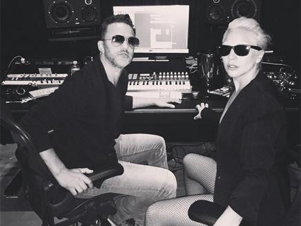Lady Gaga : en studio avec RedOne!