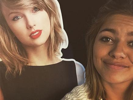Louane reprend « Blank Space » de Taylor Swift chez Cauet sur NRJ!