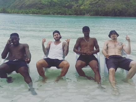 M. Pokora : la belle vie à Tahiti!
