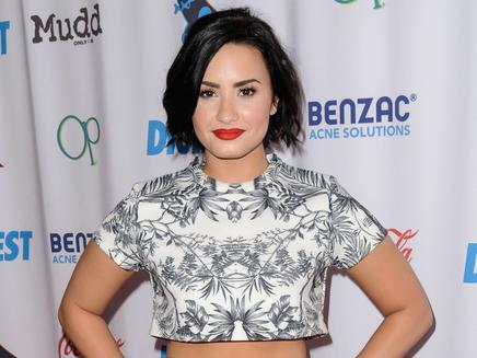 """Demi Lovato : les premières images du clip de """"Confident""""!"""