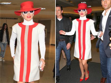 Lady Gaga : un véritable défilé à l'aéroport de Los Angeles!