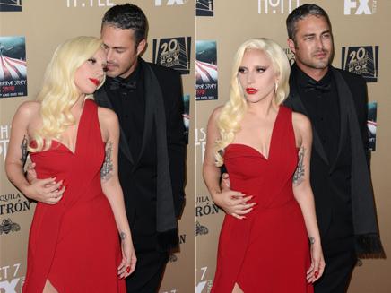 Lady Gaga et Taylor Kinney : ça chauffe sur le tapis rouge!