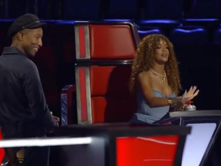 Rihanna: elle s'éclate dans «The Voice»!