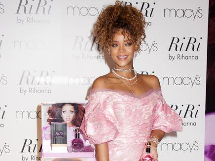 Rihanna: son tatoueur révèle ses secrets!