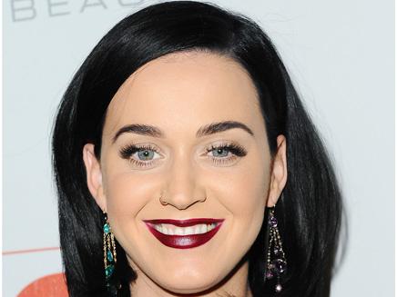 Katy Perry : le noir lui va si bien