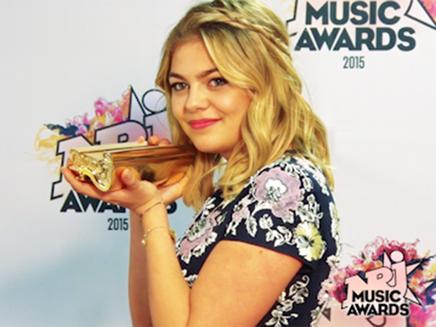"""NRJ Music Awards 2015-Louane : """"Révélation française de l'année"""" !"""